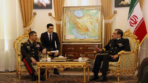 Министр обороны Азербайджана встретился с секретарем Высшего Совета Национальной Безопасности Ирана - Sputnik Азербайджан