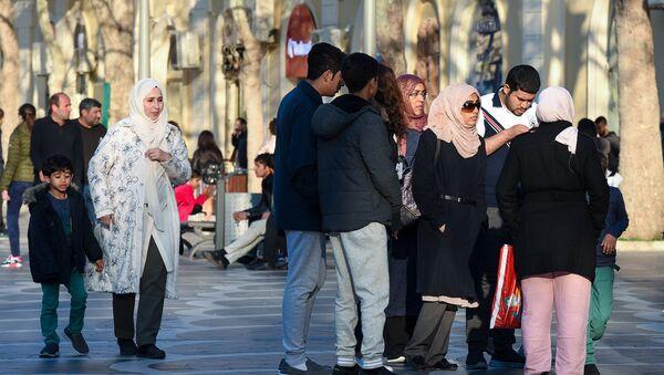 Арабские туристы в Баку, фото из архива - Sputnik Azərbaycan