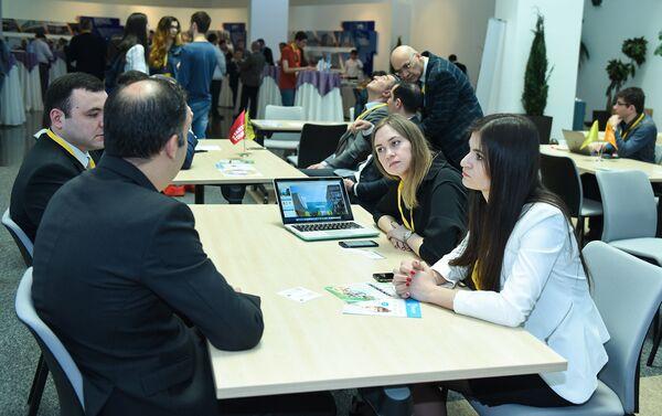 Презентация инновационного центра Сколково в Баку - Sputnik Азербайджан