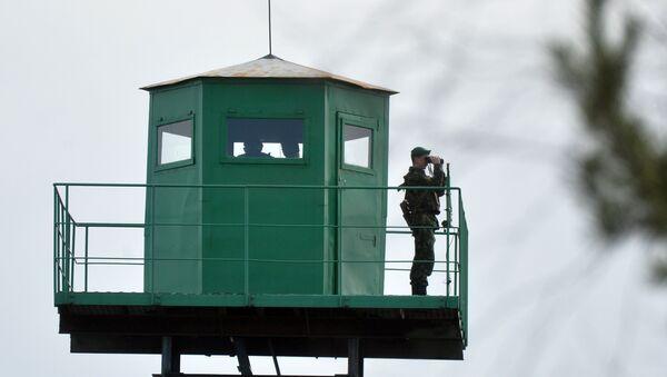 Пограничная вышка наблюдения, фото из архива - Sputnik Azərbaycan