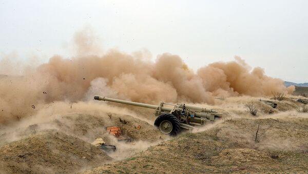 В ходе широкомасштабных учений проведен этап боевой стрельбы - Sputnik Azərbaycan
