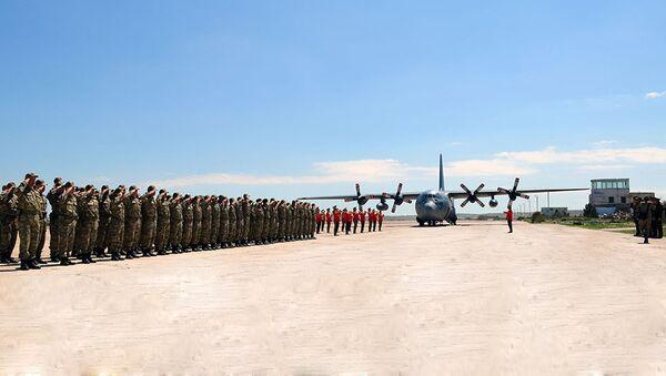 Церемония встречи личного состава ВС Турции на одной из военно-воздушных баз АР - Sputnik Азербайджан