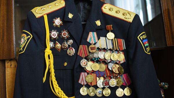 Ордена и медали Исмаила Гасымова - Sputnik Азербайджан