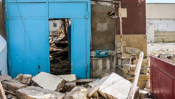 Разрушения на месте снесенного дома Шовкет ханум - Sputnik Азербайджан