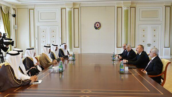 Встреча Ильхама Алиева с делегацией во главе с министром энергетики, промышленности и природных ресурсов Саудовской Аравии Халидом Абдулазизом Аль Фалихом - Sputnik Азербайджан