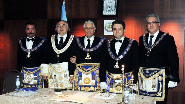 Böyük Azərbaycan Mason Lojasının Assambleyası, 29 iyun 2012-ci il, Bakı, Andrey Boqdanov – sağdan ikinci - Sputnik Azərbaycan
