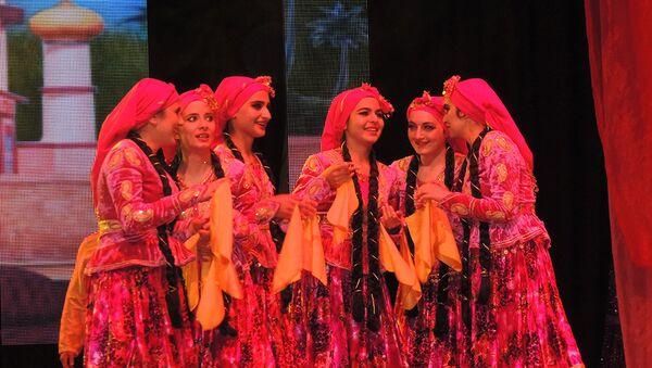 Гала-концерт десятого Общереспубликанского фестиваля студенческого творчества Студенческая весна - Sputnik Азербайджан