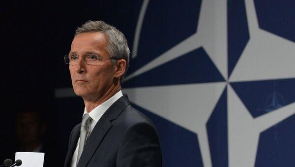 Генеральный секретарь НАТО Йенс Столтенберг на саммите НАТО в Варшаве - Sputnik Азербайджан