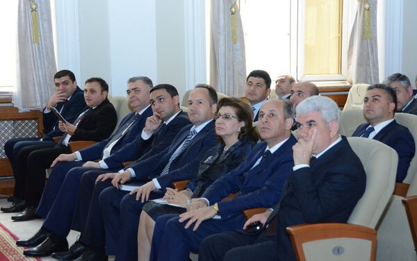 Участники заседания Ученого совета UNEC - Sputnik Азербайджан