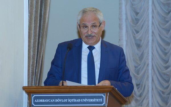Директор центра Науки и инноваций, профессор Сакит Ягубов - Sputnik Азербайджан