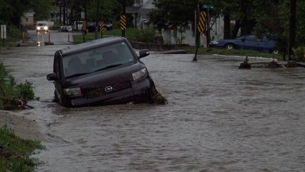 Торнадо в Техасе и наводнение в Миссури - Sputnik Азербайджан