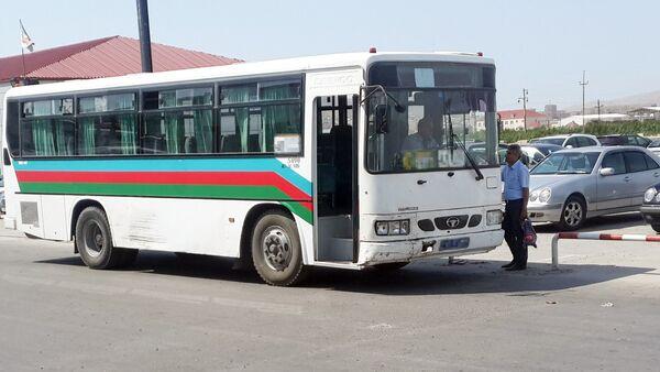 Старый автобус в Баку, фото из архива - Sputnik Азербайджан