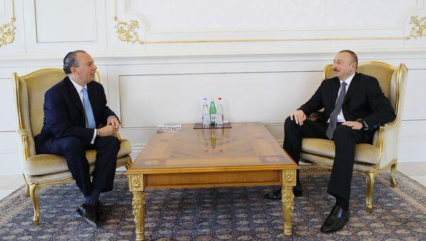 Президент Азербайджана Ильхам Алиев принял президента Фонда этнического взаимопонимания США Марка Шнайера - Sputnik Азербайджан