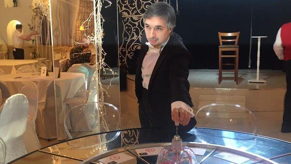 Ровшан Аскеров: если вы в нужной ситуации не примените прочитанное, то какой смысл от вашего чтения? - Sputnik Азербайджан