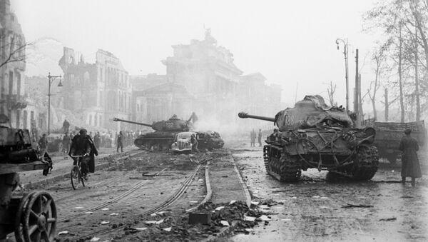 Последние бои за Берлин, май 1945 года - Sputnik Азербайджан