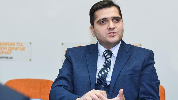 Политолог Эльхан Шахиноглу - Sputnik Азербайджан
