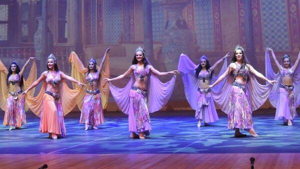 Концерт турецкой танцевальной группы Анадолу Атеши в Баку - Sputnik Азербайджан