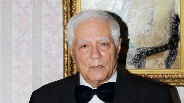 Азербайджанский писатель и ученый Абдул Гусейнов. - Sputnik Азербайджан