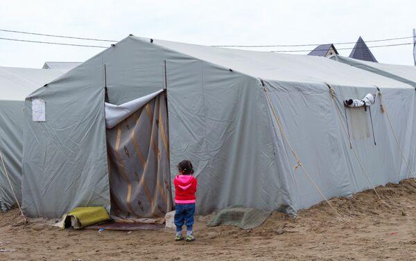 Как будто им на роду написано – жить в палатках, без дома - Sputnik Азербайджан