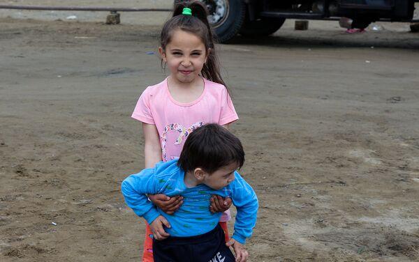 Несколько раз в этом общежитии на детей падали камни - Sputnik Азербайджан