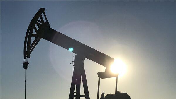 Нефтяной насос, фото из архива - Sputnik Азербайджан