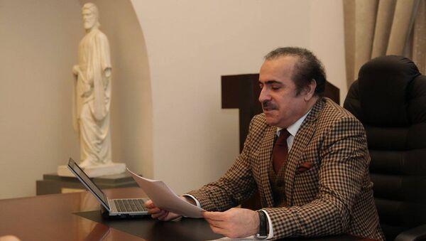 Председатель комитета Милли Меджлиса по культуре Рафаэль Гусейнов - Sputnik Азербайджан