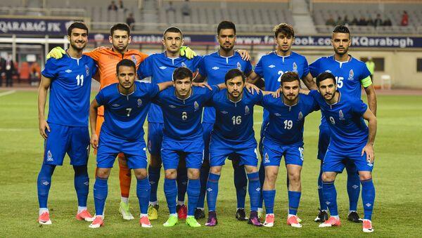Сборная Азербайджана по футболу перед матчем против сборной Омана на IV Играх Исламской солидарности в Баку, 22 мая 2017 года - Sputnik Азербайджан