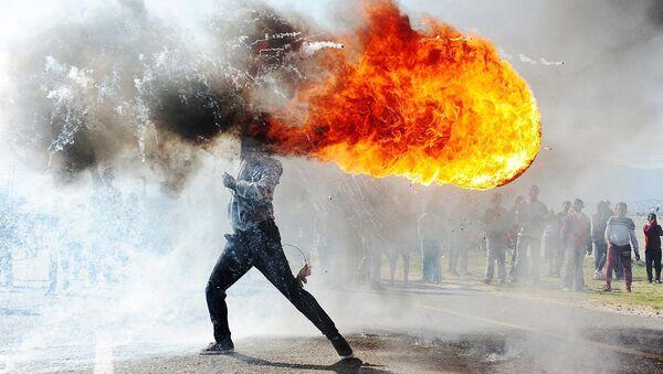 Протесты в городе Грабу - Sputnik Азербайджан