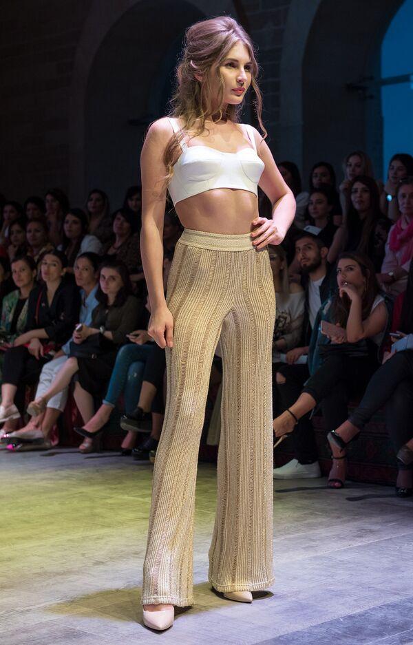 Модный показ в рамках Azerbaijan Fashion Week 2017 - Sputnik Азербайджан