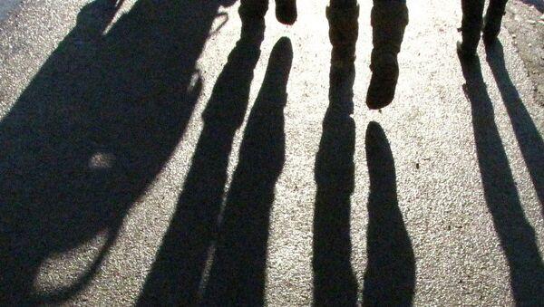 Тени людей, фото из архива - Sputnik Азербайджан