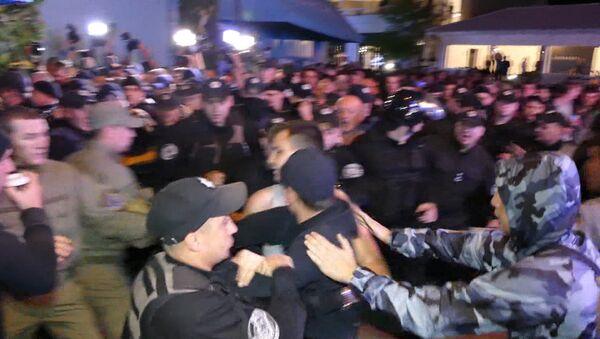 Протест из-за концерта Лободы в Одессе - Sputnik Азербайджан