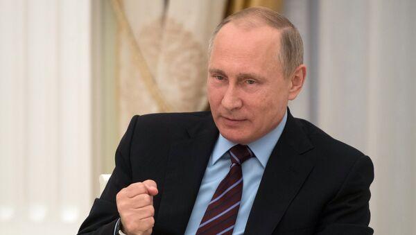 Rusiya prezidenti Vladimir Putin, arxiv şəkli - Sputnik Azərbaycan