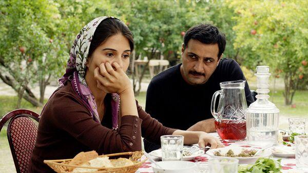 Кадр из фильма Гранатовый сад - Sputnik Азербайджан