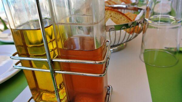 Оливковое масло и уксус, фото из архива - Sputnik Азербайджан