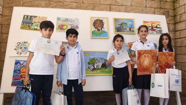 Авторы первых лучших пяти рисунков - Sputnik Азербайджан