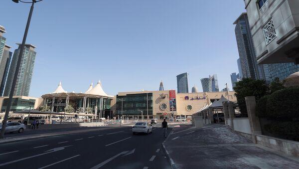 Вид на одну из центральных улиц Дохи - Sputnik Азербайджан