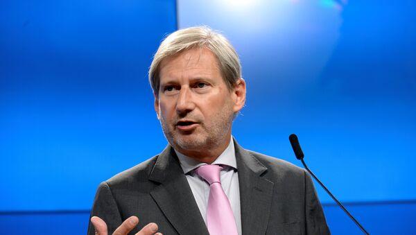 Комиссар Европейского союза по вопросам расширения и политики соседства Йоханнес Хан - Sputnik Азербайджан