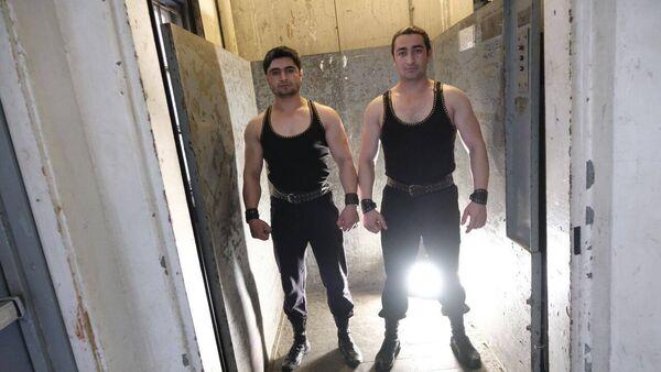 Азербайджанские пехлеваны Гусейн и Лачин Абдулгусейновы - Sputnik Azərbaycan