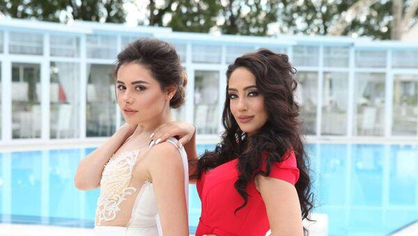 Самира Эфенди и румынская певица Seeya - Sputnik Азербайджан