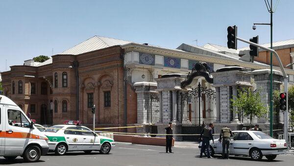 Ситуация у здания парламента Ирана, 7 июня 2017 года - Sputnik Азербайджан