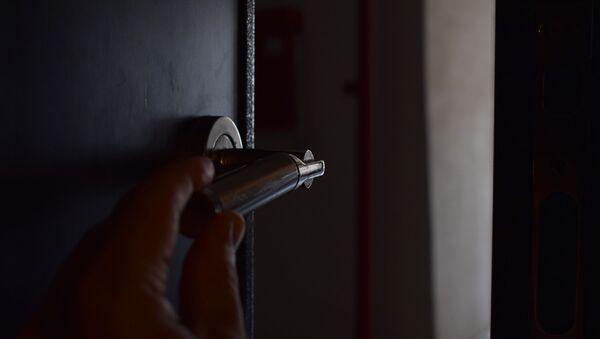 Приоткрытая дверь, фото из архива - Sputnik Азербайджан