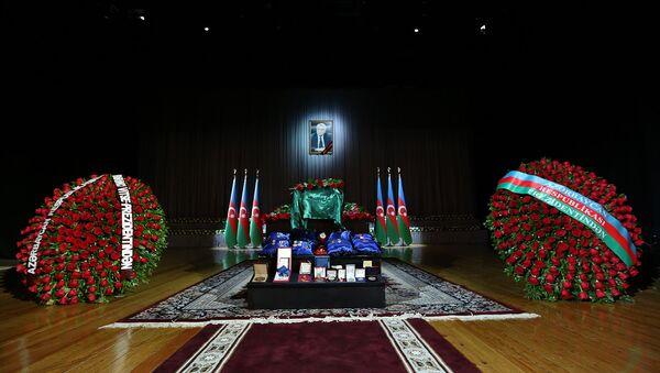 Церемония прощания с Натигом Алиевым - Sputnik Азербайджан