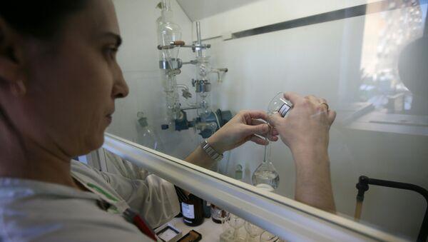 Лаборатория по проверке качества питьевой воды, фото из архива - Sputnik Азербайджан