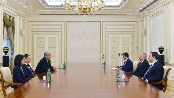 Президент Ильхам Алиев принял содокладчиков Мониторингового комитета ПАСЕ - Sputnik Азербайджан