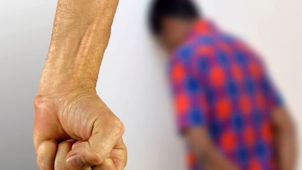 Рука, сжатая в кулак, фото из архива - Sputnik Азербайджан