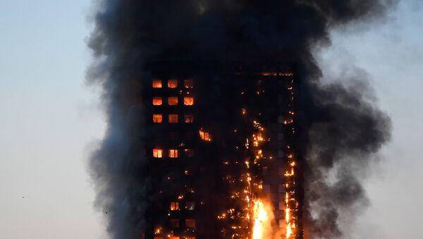 Пожар в центре Лондона, 14 июня 2017 года - Sputnik Азербайджан