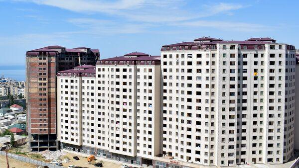 Строящийся жилой комплекс в Хатаинском районе Баку, фото из архива - Sputnik Azərbaycan