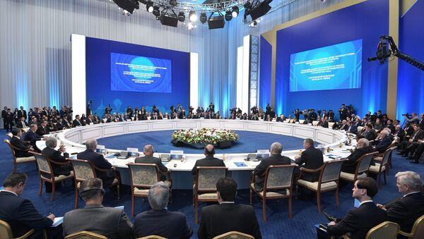 Заседание совета глав государств - членов ШОС в расширенном составе, Астана, 9 июня 2017 года - Sputnik Азербайджан