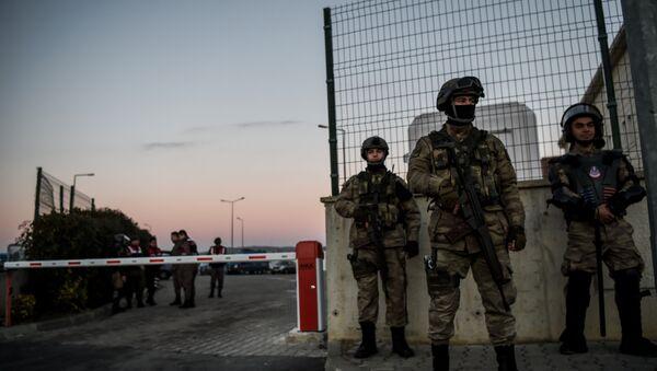 Сотрудники турецкой полиции, фото из архива - Sputnik Азербайджан