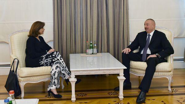 Министр иностранных дел Колумбии Мария Анхела Ольгин на встрече с президентом Азербайджана Ильхамом Алиевым - Sputnik Азербайджан